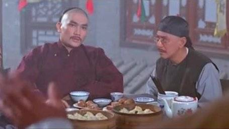 乾隆微服私访, 竟被知府儿子在饭桌上戏弄, 结果可想而知
