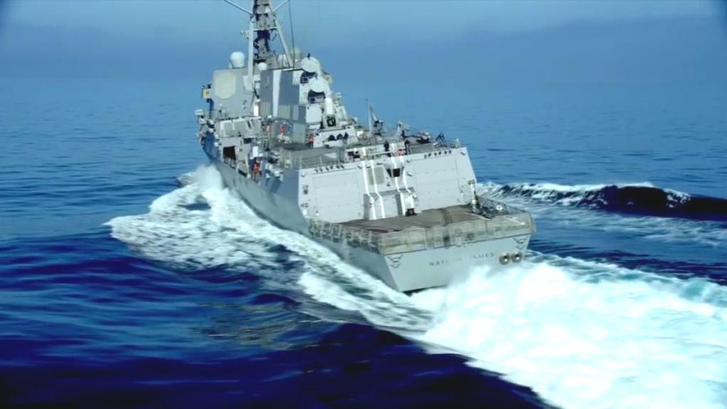 顶级海战大片, 伯克级驱逐舰急停车战斗滑行, 紧咬核潜艇盲射鱼雷