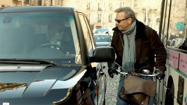 刺杀: 这才叫顶级特工, 一辆自行车解决路虎全部保镖, 劲爆震撼啊