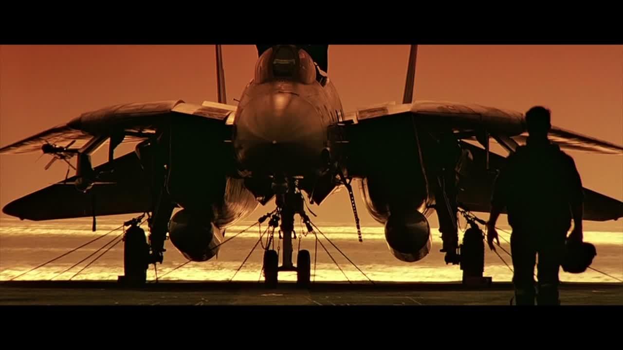 1986年的欧美空战猛片, 迄今为止无法被超越, 不愧为经典中的经典