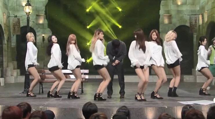 韩国小品《男人的本能: 你能控制住不看美女吗? 》
