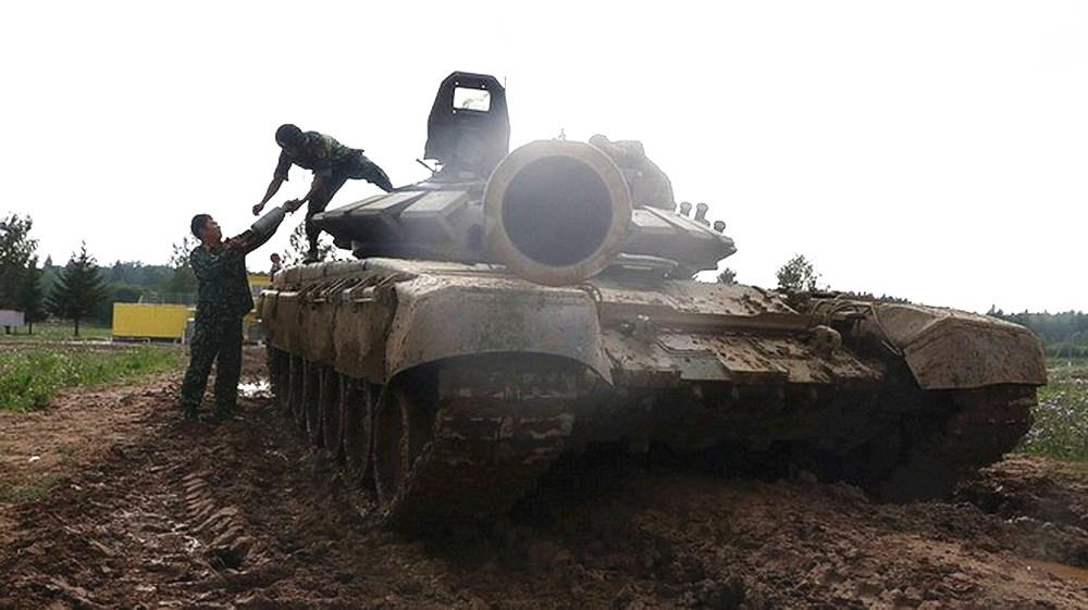 首批T90坦克运抵越南,还来不及高兴,发现邻国都在买中国坦克