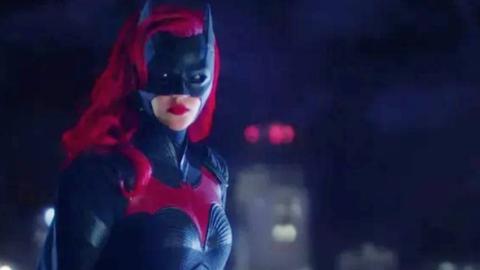 DC新超级英雄《蝙蝠女侠》中字预告,蝙蝠侠表姐