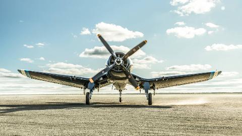 【讲堂449期】采用倒海鸥翼,配备当年最强引擎,美军研发出速度最快的舰载机