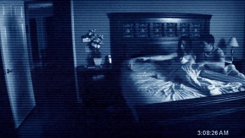 【东倾】《鬼影实录4》:小姐姐拍下自己睡觉的视频,发现弟弟晚上摸她,真的是太恶心了