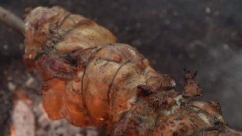 """烤""""鸡肉卷""""——【野外厨房·中字】AlmazanKitchen"""