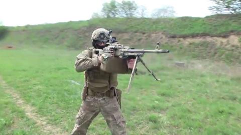 乌克兰特种部队使用战术PKM