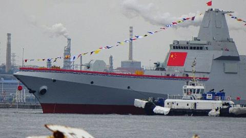 比南海阅兵更雄伟!055大驱或将提前服役,参与青岛海军节阅兵