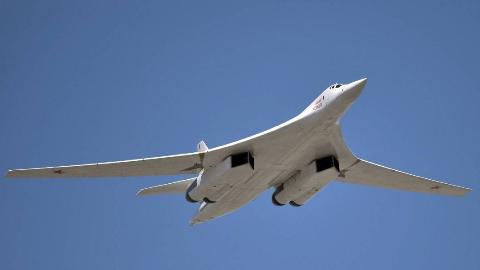 俄罗斯有那么多武器,为什么普京偏偏喜欢图-160?