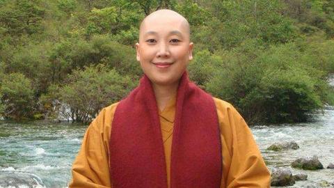 《青藏高原》的原唱是她?唱了这首《女人是老虎》后,皈依佛门