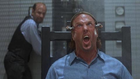 【奥雷】恶徒被电刑后却变得更加强大 疯狂报复警察《夜半鬼敲门3》