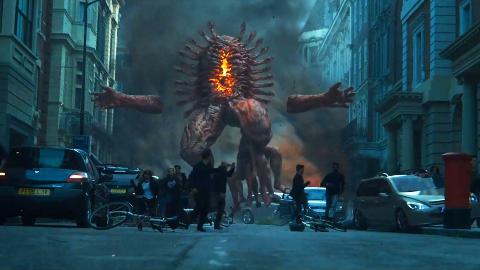 【好看】男子为报仇拔出石中剑,意外打开地狱大门,放出无数怪物血洗城市