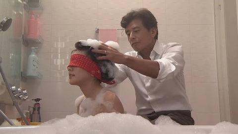 日本女孩为了尽孝道,出嫁前要和父亲一起泡澡,这有什么讲究?