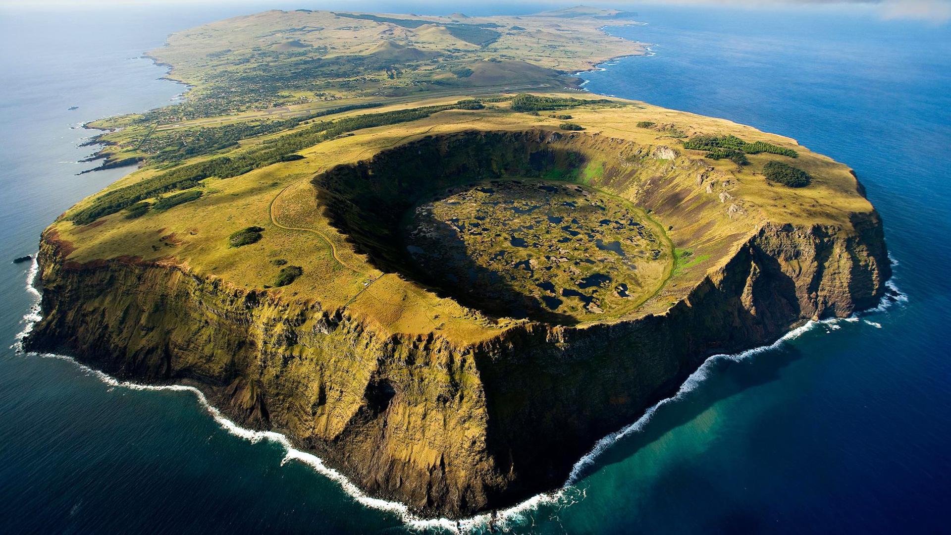 这座数次毁灭又复活的小岛,几十吨的石像会走路,新灾难令人担忧