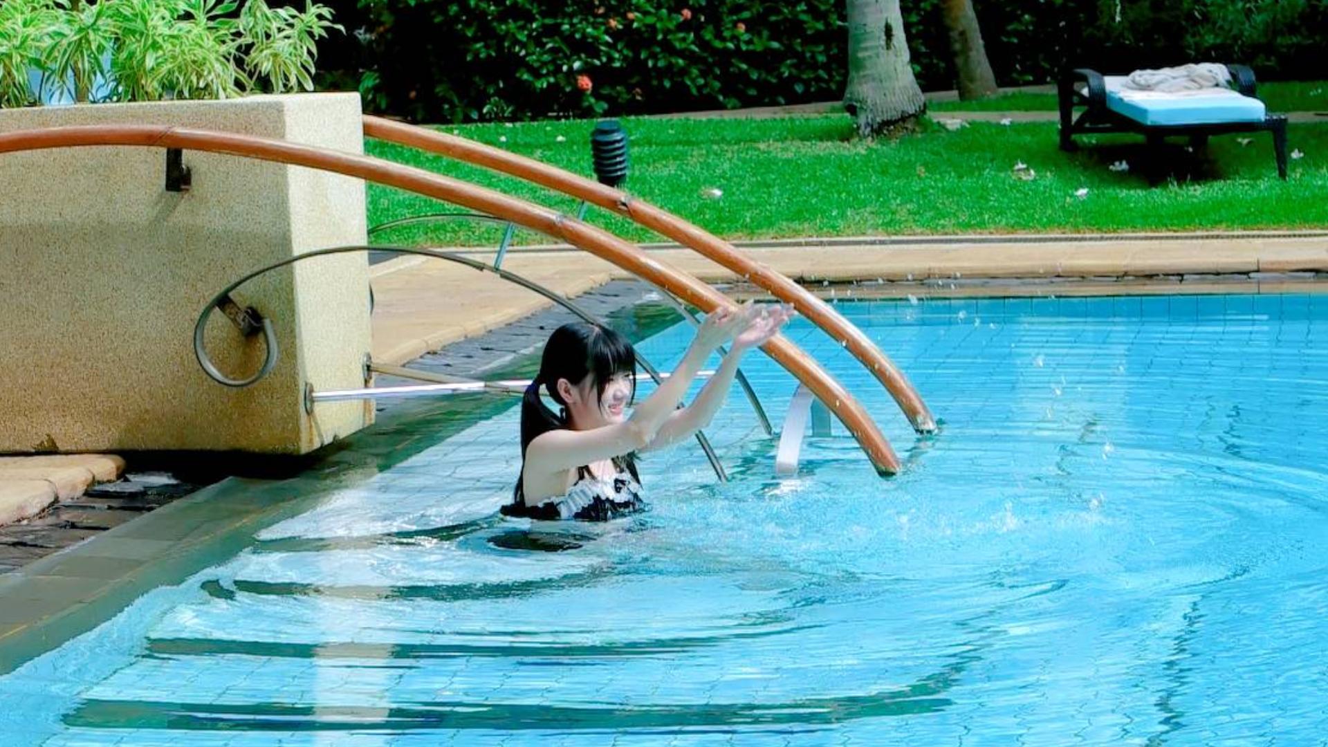 泳...泳....泳.......泳衣?第一次超羞耻⁄(⁄ ⁄•⁄ω⁄•⁄ ⁄)⁄