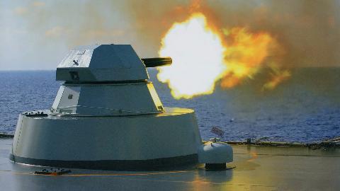 俄式反海盗!操起射速3000发每分近防炮直接扫射,网友:同情海盗