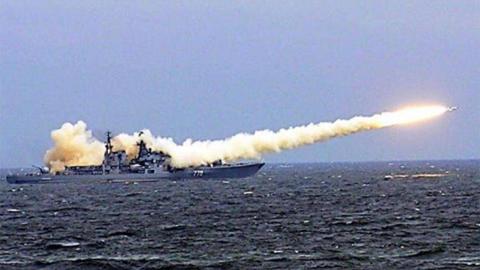 """极致的""""非对称性武器"""":俄2000吨级护卫舰想打10万吨级航母,就用9倍音速导弹"""