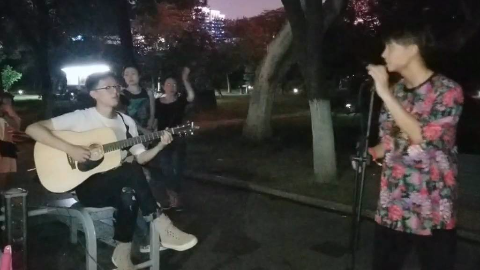 【尧顺宇】粉丝节后和李萌唱了唱歌