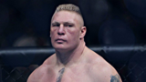 看看UFC布洛克是如何狂虐对手,很暴躁,把对手按在地上揍!