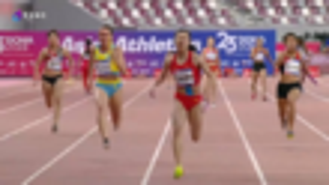 亚锦赛4×100米中国女队强势夺冠,创造新的赛会纪录!