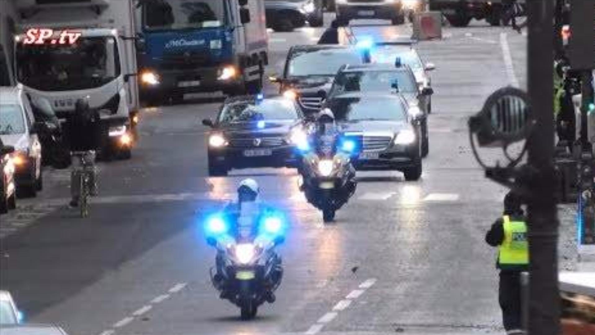 巴黎警察的VIP护送车队