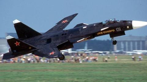 """曾令世界一片哗然!俄苏-47""""金雕""""飞行混剪"""