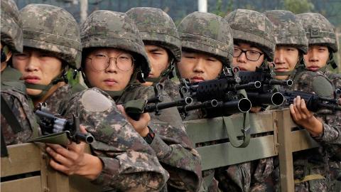 在中国逃兵役罚的太重了?你看看其他国家是怎么惩罚的