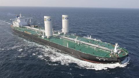 中国702所再立大功,30万吨巨轮靠风吹就能跑,首创风帆动力