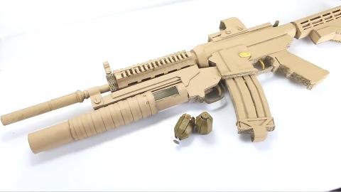 【手工DIY】用纸板制作一把带榴弹发射器的步枪(图纸看简介)