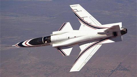 什么飞机机翼倒着长,行动极灵活时速1470公里,一般飞行员不敢飞