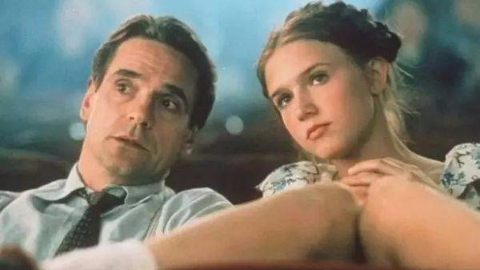 《洛丽塔97》大叔恋上小女孩,不惜娶其母亲成为她的继父,你渴望这样的爱情吗?