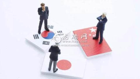 【龙腾网字幕组】外国网友问:中日韩哪种语言更容易学?