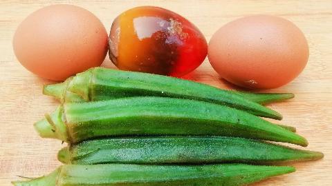 做秋葵煎蛋不要直接下锅,两个小窍门,蓬松柔软不粘锅,超好吃