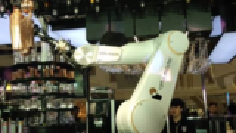 机器人现场制作咖啡、调制鸡尾酒,火爆京城的网红打卡圣地来了!