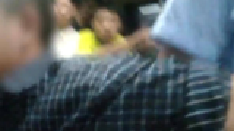 太嚣张:男子在火车上抽烟、推搡辱骂列车员,被行政拘留6天