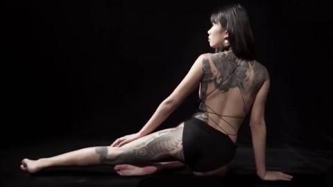 中国顶尖纹身师,纹一个后背费用高达30万,找他的70是老外