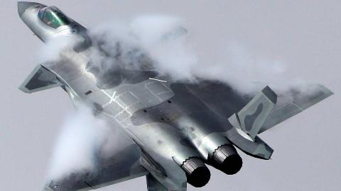 御用摄影师!日本航空摄影师拍摄的中国歼-20开弹仓