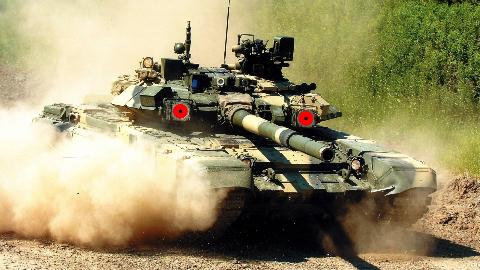 【讲堂497期】苏联解体后俄罗斯研发出大杀器,拥有魔鬼红眼的T-90主战坦克