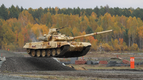 """【讲堂462期】疯狂的苏联人,为了超越北约,将飞机引擎装入坦克,研发出""""飞行坦克"""""""