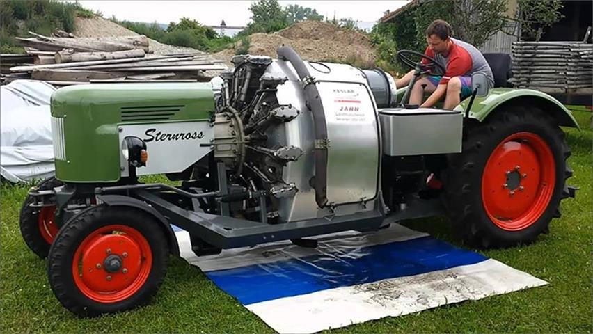 给拖拉机装上战斗机引擎,瞬间霸气十足,用它耕地,时速非常搞笑