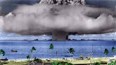 如果核弹在水下爆炸会怎样呢?美国就引爆过,军舰直接被掀翻