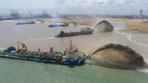 越南5年造岛0.24平方公里,还被一场台风给吹没了,没学到中国精髓
