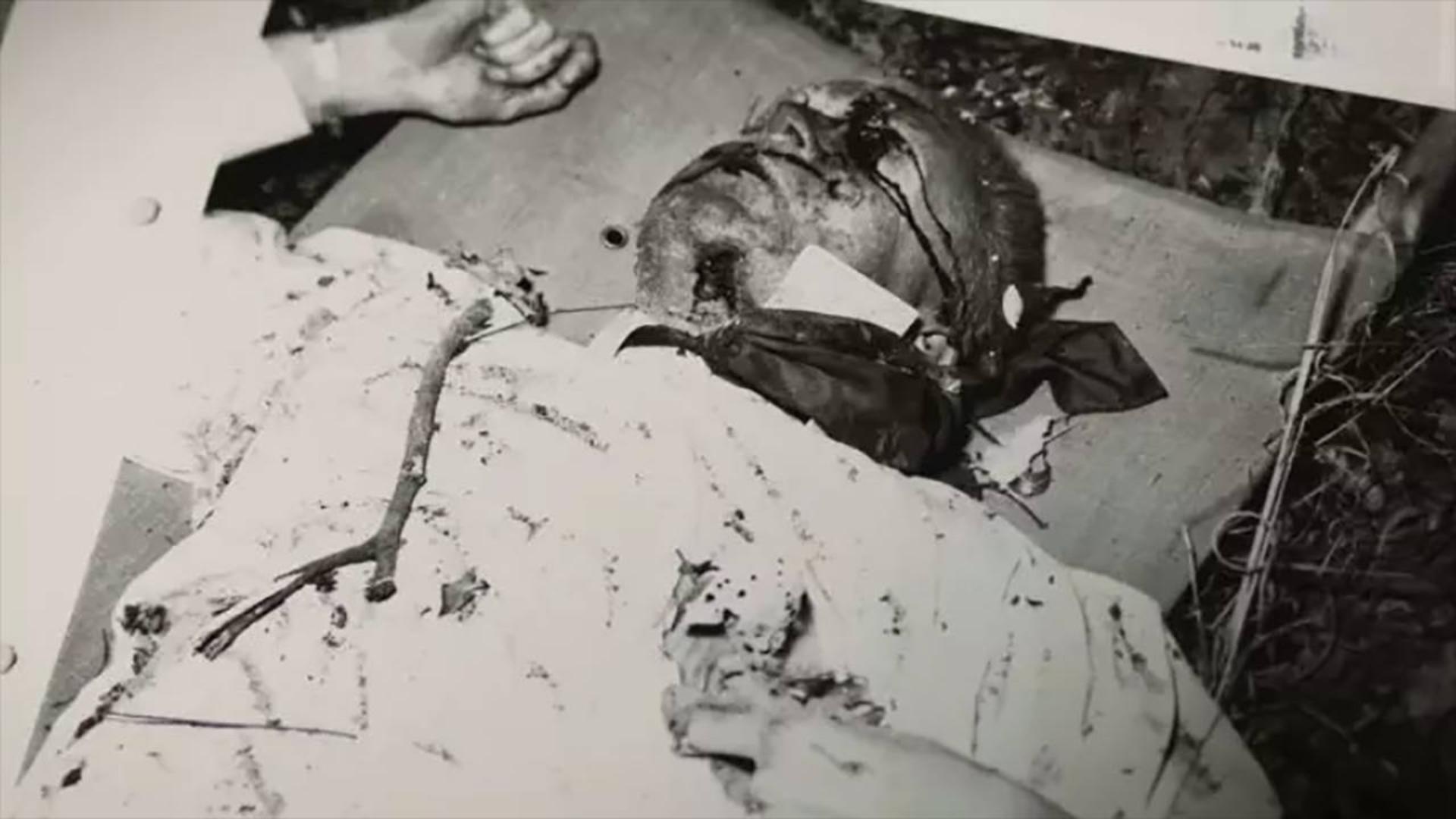 豆瓣8.2分,世纪谋杀悬案,全世界都不许讨论,却被他拍成纪录片