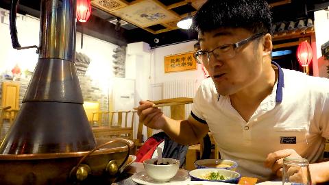 大sao吃老北京铜锅涮肉,鲜切羊腿配羊肉卷,两人份完全不够吃