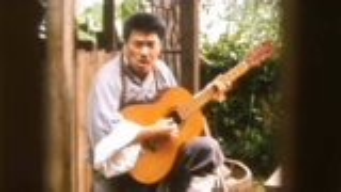 这首歌在中国非常火,被外国人翻唱英文版更火,成为国际音乐经典