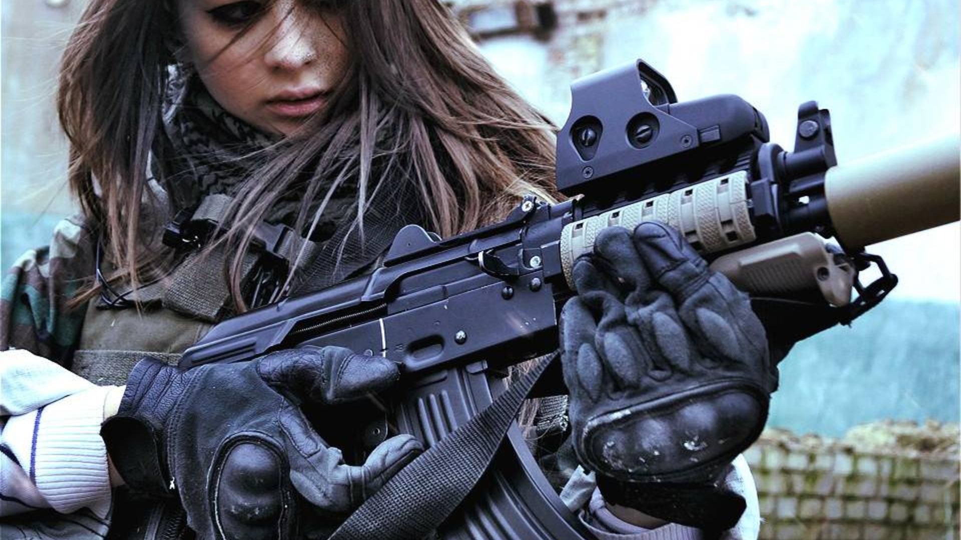 """美国警察局遭汽车炸弹袭击!""""双持MP70冲锋枪火力压制"""",疯狂输出,警察束手无策!#85"""