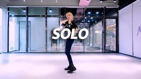 金发小姐姐性感翻跳Jennie《Solo》,在线撩人!【口袋舞蹈】