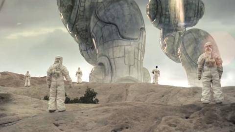 高分科幻短片《狭小的世界》,外星人造访地球后过上悠哉生活!