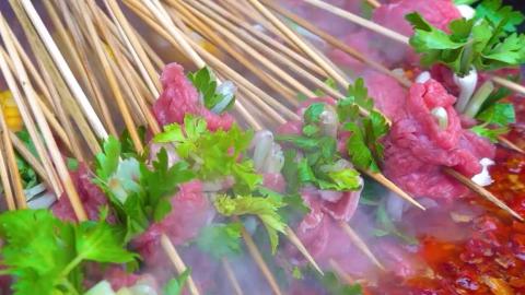 出了名的四川串串,麻辣鲜嫩的香菜牛肉简直解馋