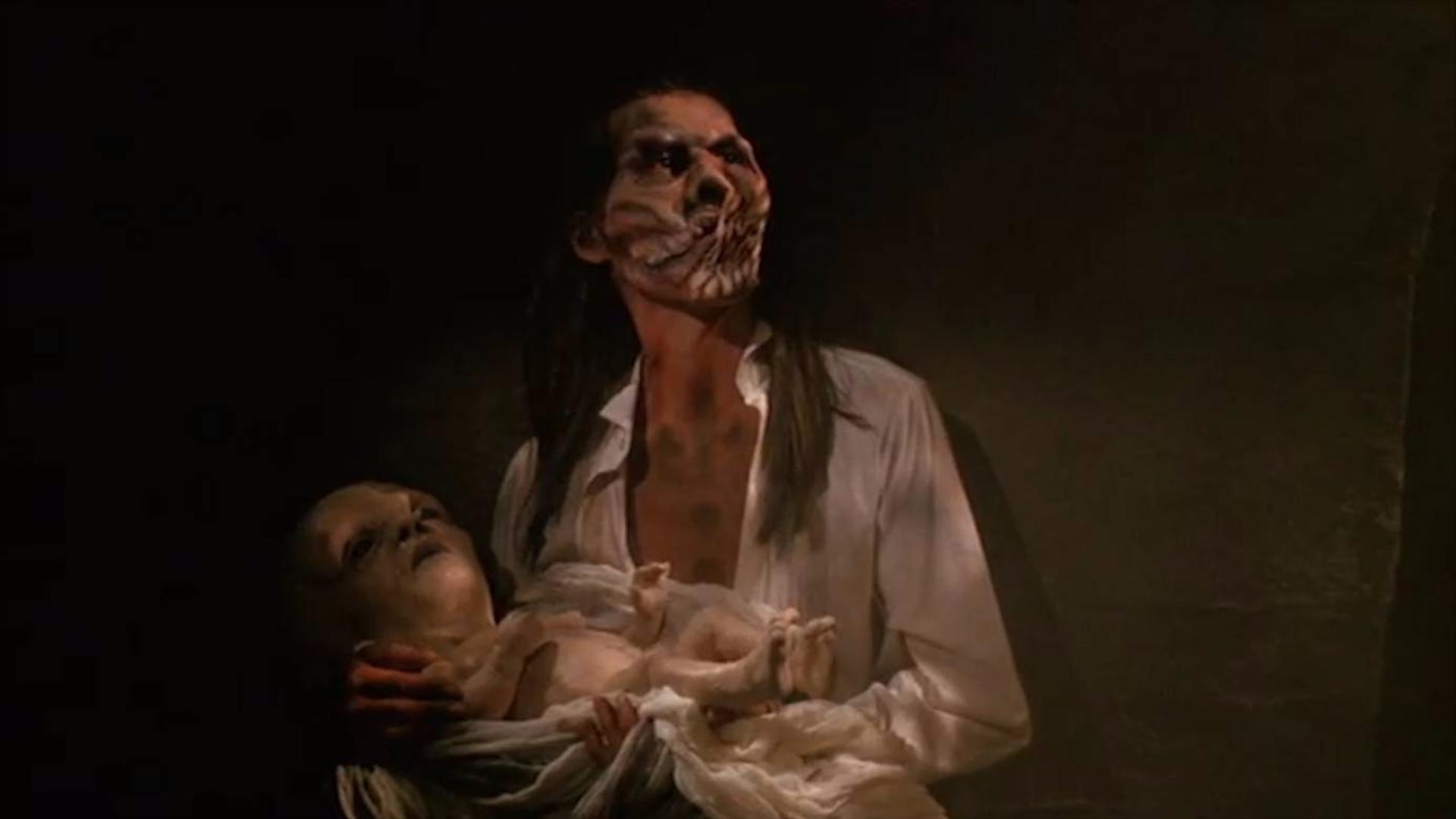 男子潜入废弃墓地,寻找恶梦根源,结果发现了一个诡异的新人种